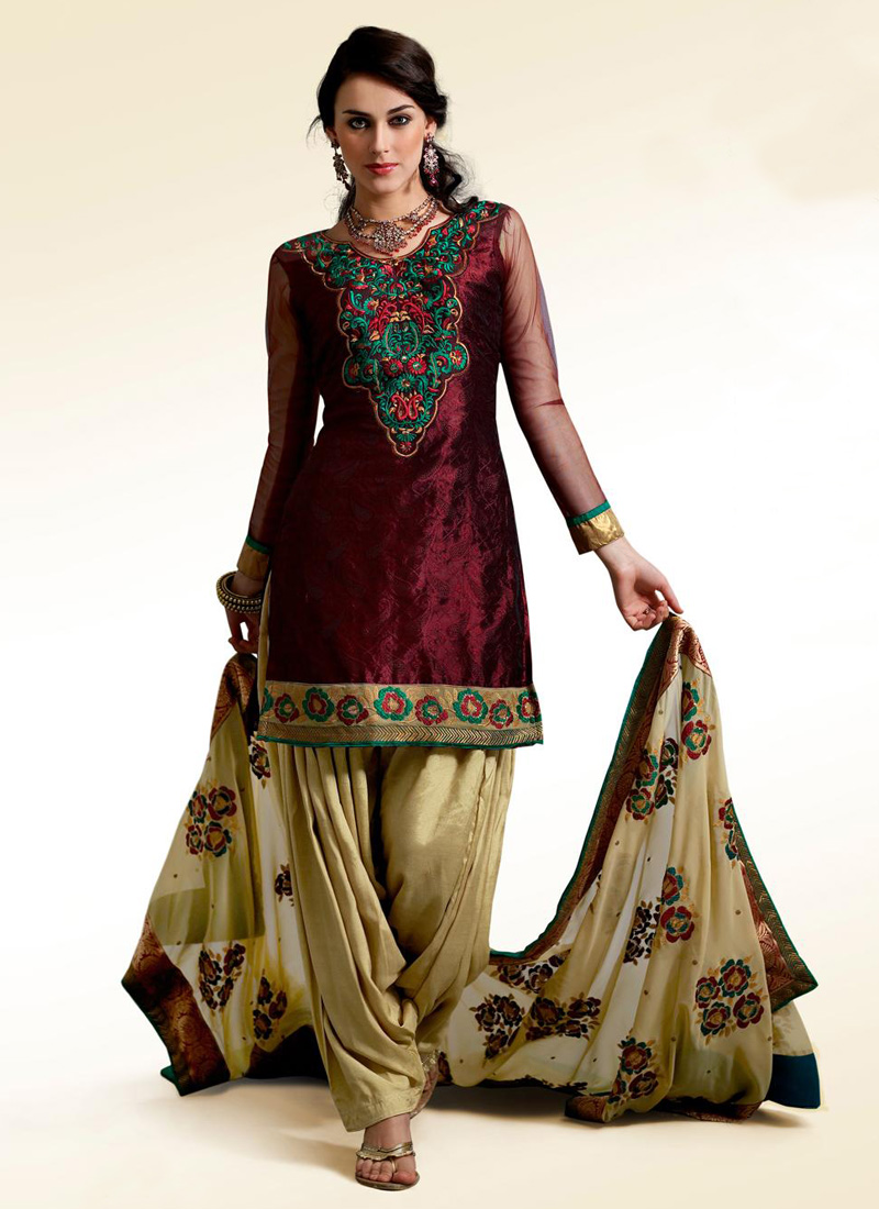 f965b78205 Indian clothes are very colorful and have gained immense popularity all  around the word. The quintessential Indian dress for women is the ageless  Saree, ...